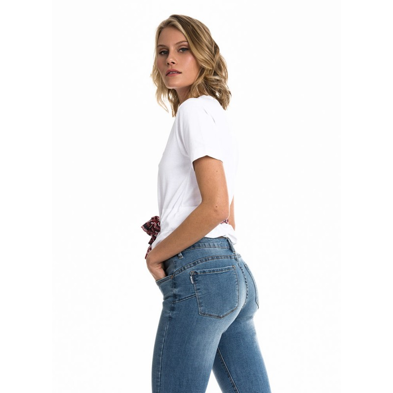 https://lacadenasuarez.com/mujer/mujer-pantalones-vaqueros-y-leggins/pantalon-tejano-mujer-push-up-tiffosi-color-denimlightpushup59.html