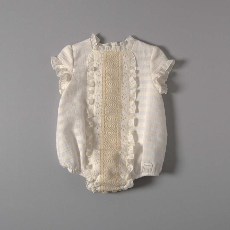 pelele bebé blanco con encajes