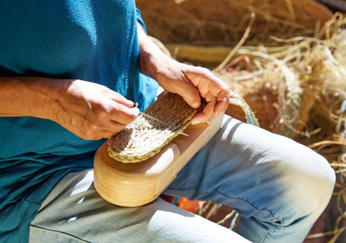 sandalia de esparto artesanal