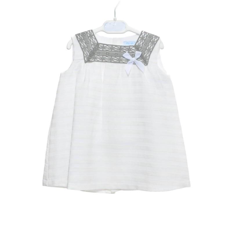 vestido bebé con encaje